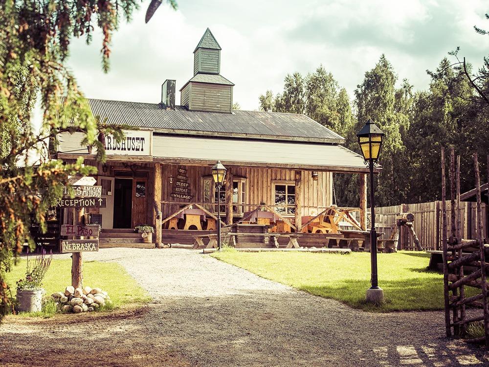Sommarcafé i Western Farm Village