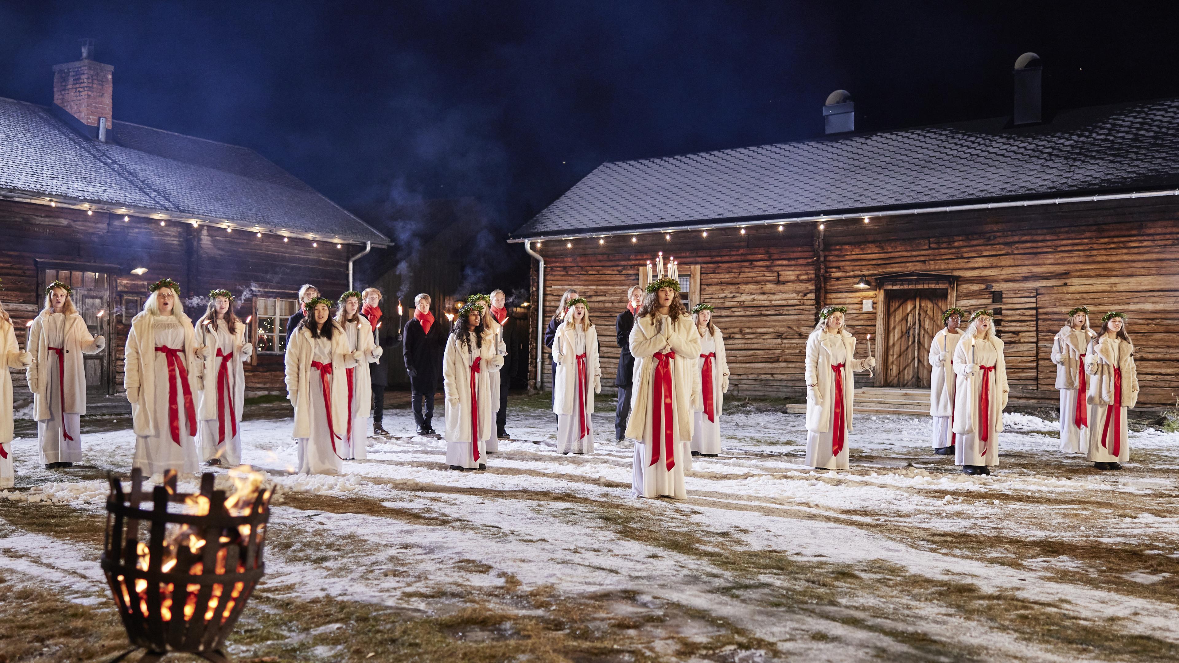 Musikgymnasiet i Boden                           - hela Sveriges Lucia