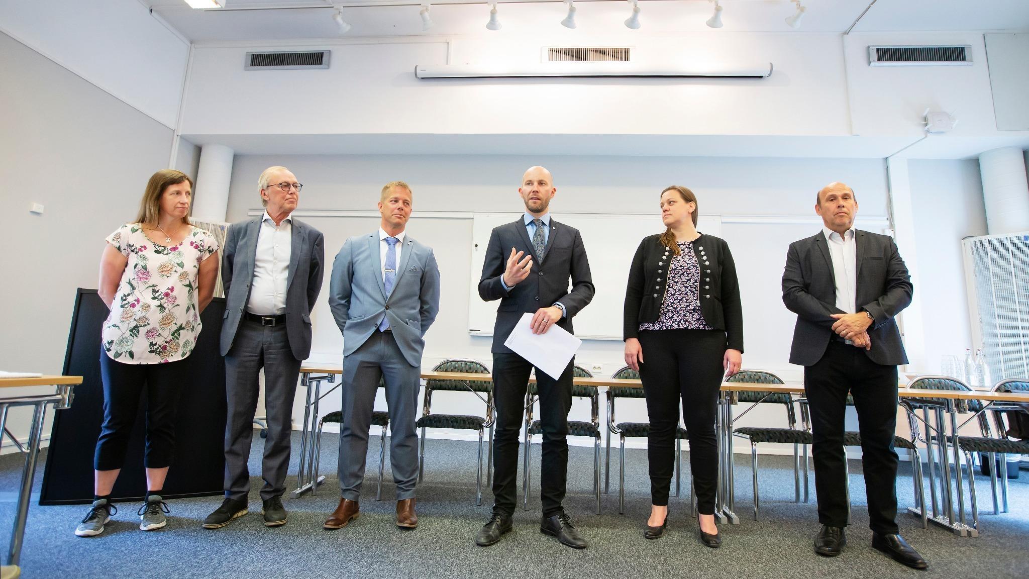Gruppledarna Catarina ASK (MP), Anders Sundström (SJVP), Johan Grön (C) och Claes Nordmark (S) från Bodens kommun samt Hanna Eriksen (Fortum) och Michael Kempi (Fortum).
