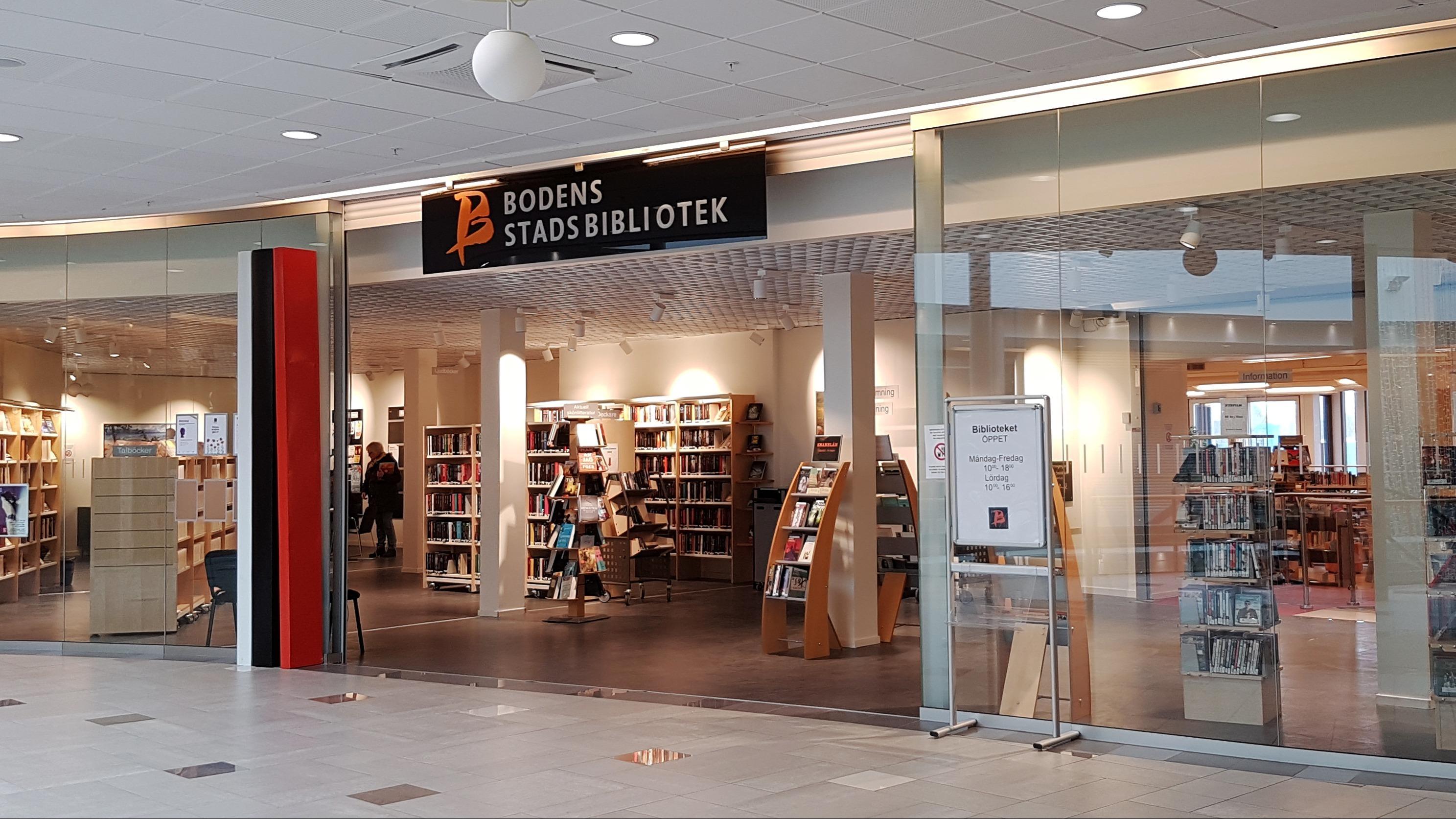 Entrén på Bodens stadsbibliotek